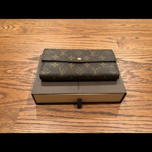 Louis Vuitton Sara continental wallet